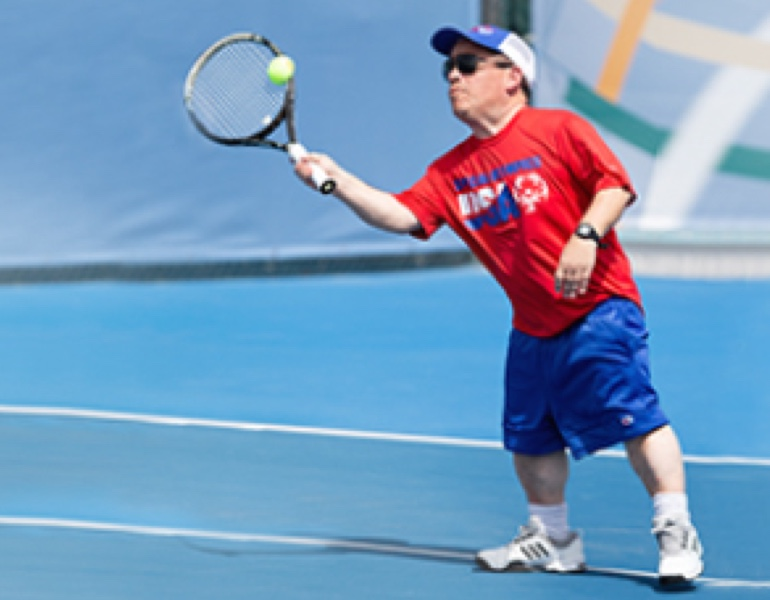 andrew crout playing tennis
